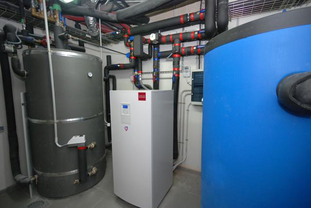 Energ a geotermica desarrollo tecnogrupo for Suelo radiante frio calor